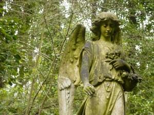 HIghgate Cemetery; Peaceful, Historic