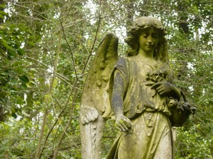 HIghgate Cemetery; Peaceful, Historic